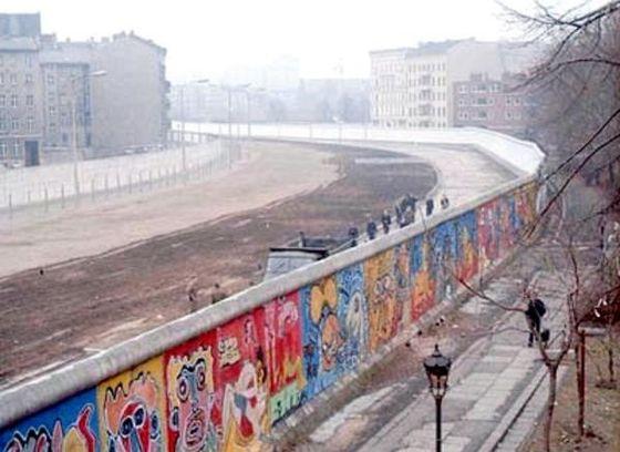 Forum Berlin Wall In Cold War S Era Images Gallery